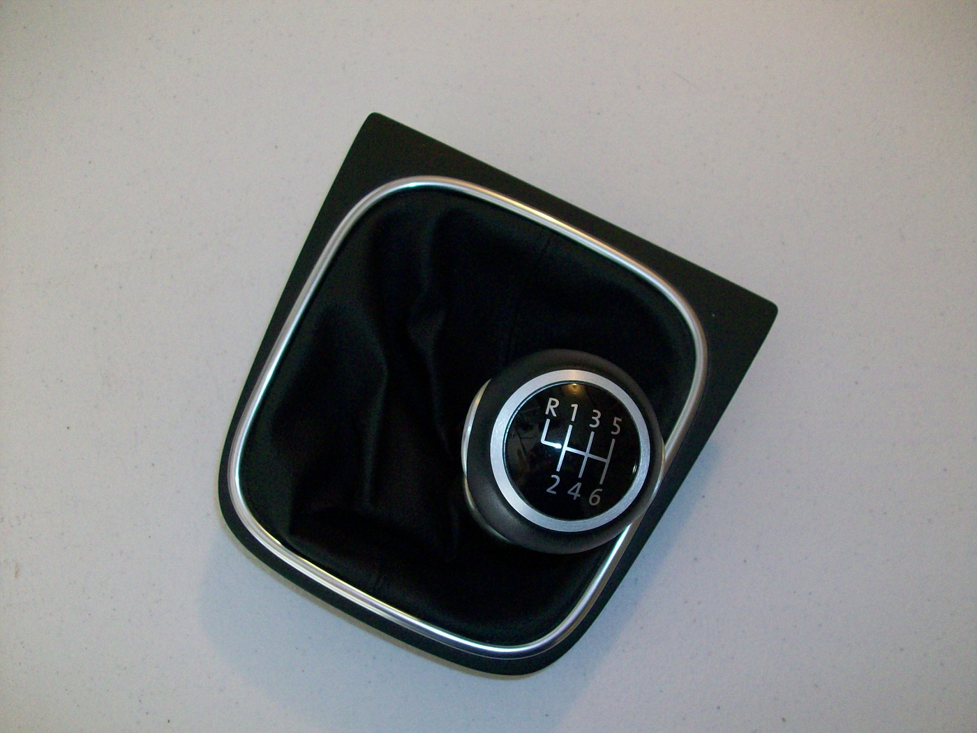 SOLD $120 Shift Knob for MKV and MKVI 1K0711113BEUSY