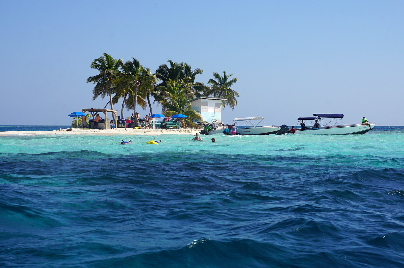 Approaching the South Silk Caye