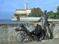 Dammglonker-Statue