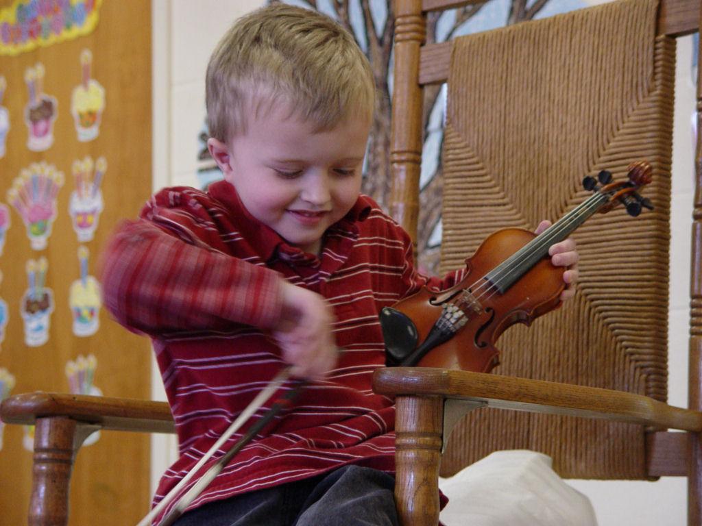 003 Elliot Shows Violin