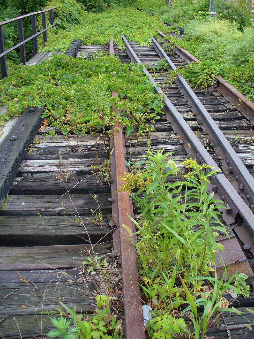 Tracks to nowhere - Дорога в никуда