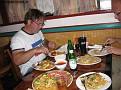 Vi checkade in på ett fräschare Days Inn i Richmond och avslutar dagen med ett skrovmål på en kina krog.