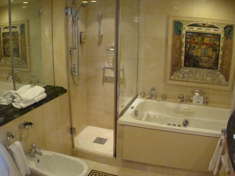 Owners Suite / Bath