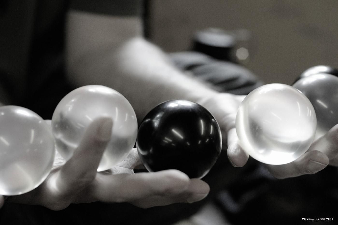 Contact Balls