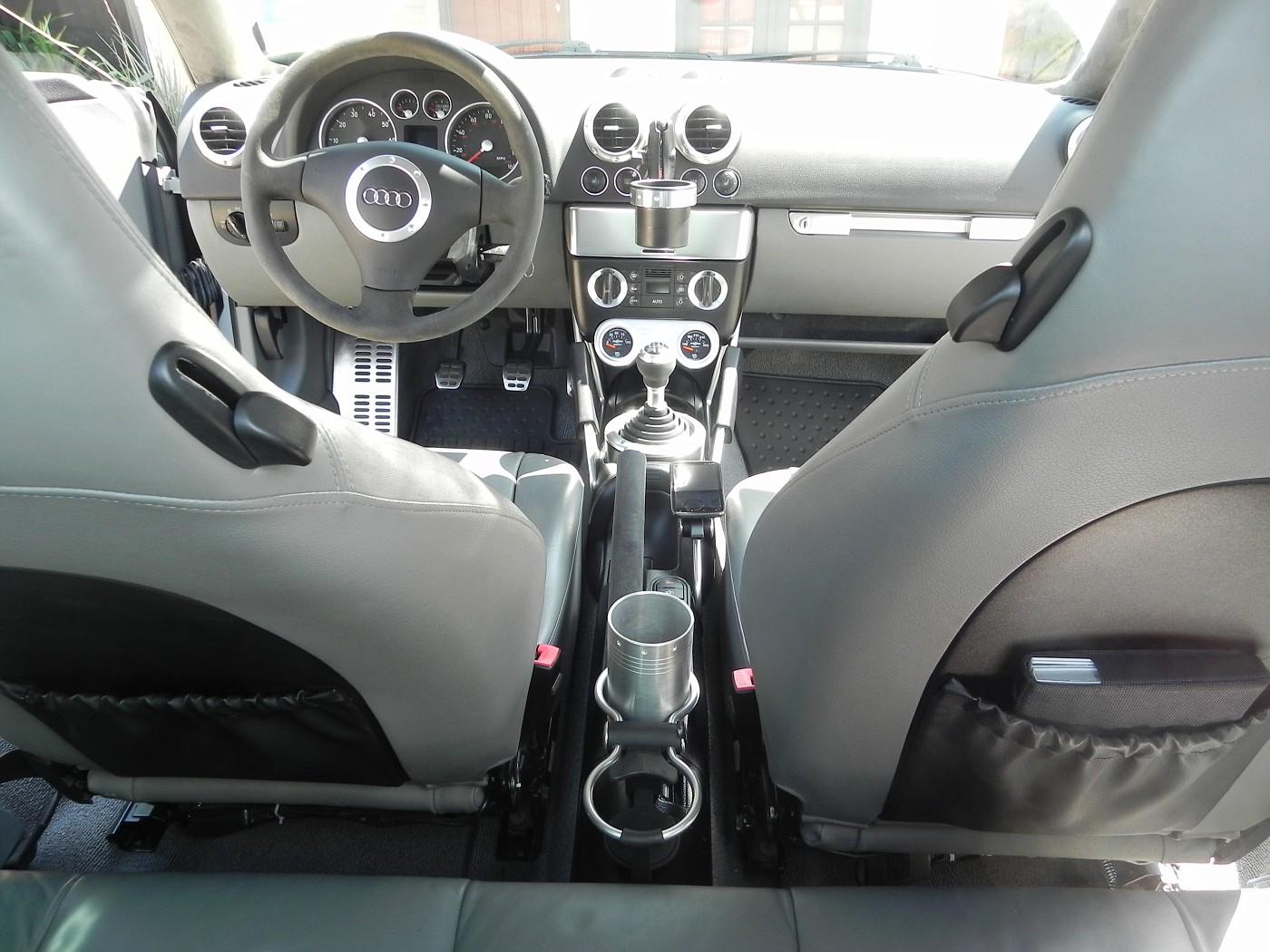 The Audi TT Forum • View topic - Full Interior/dash swap (light grey)