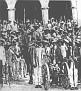 Des gendarmes gardant le palais national (1915)