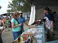 Посетители покупают блины и пельмени
