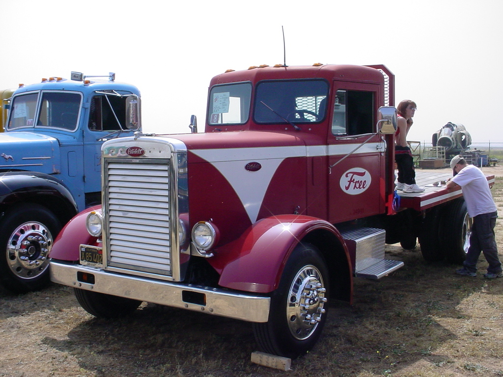 Photo: 1965 Peterbilt 281  | 2nd Annual Workhorses and