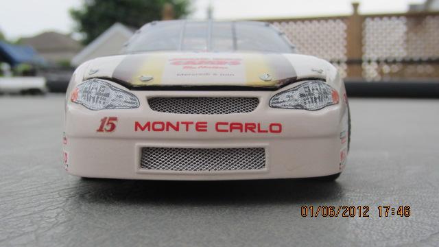 "SNRA 2001 Chevy Monte Carlo ""Tim Horton"" #15 , la couleur! Photo1-vi"