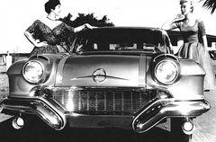 1955-pontiac-strato-star 01