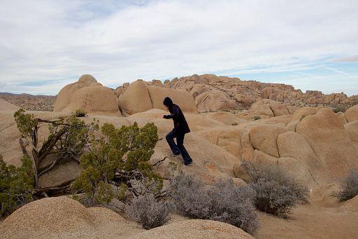 even moms scramble on rocks