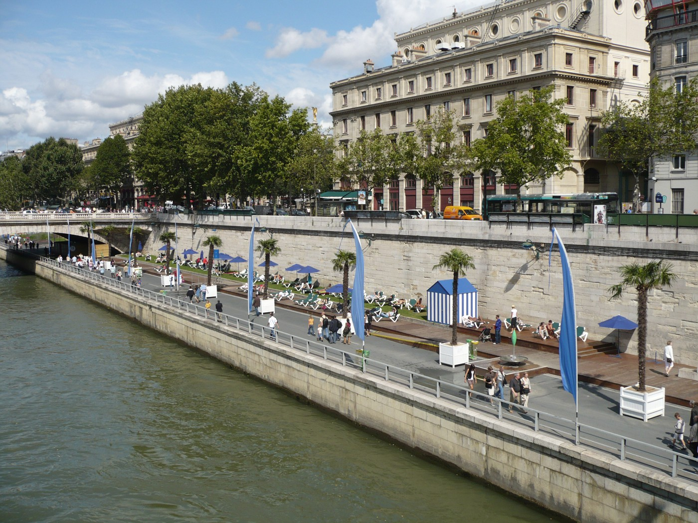 Sonnenplätze an der Seine