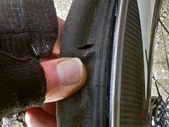 2. Panne - Flanke der Reifendecke zerschnitten :-(