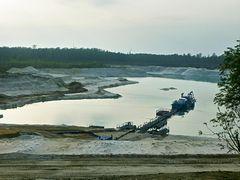 Abbau von Quarzsand in Uhry