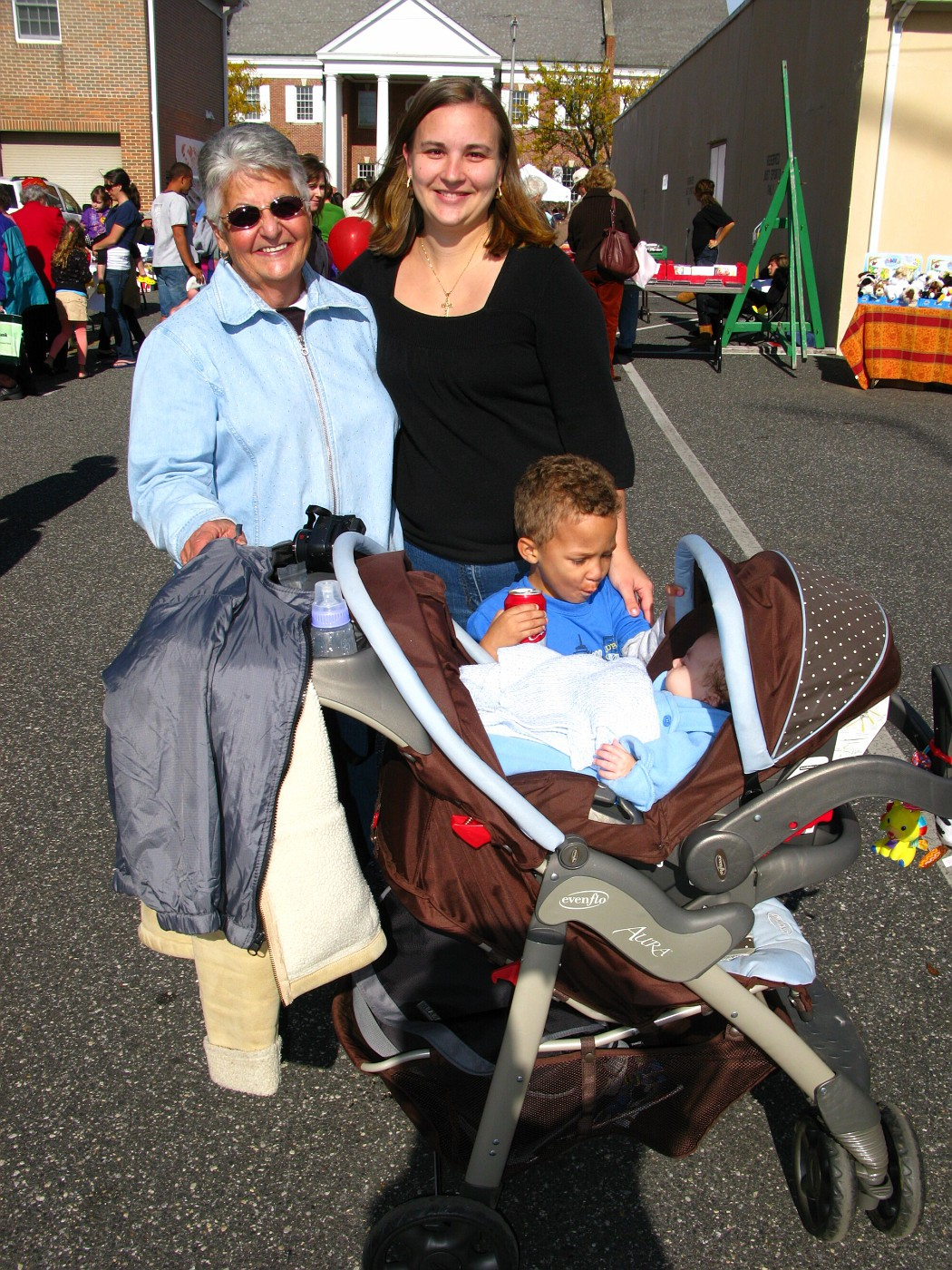 Harvest Fest in CMCH 10-25-2009 (16)