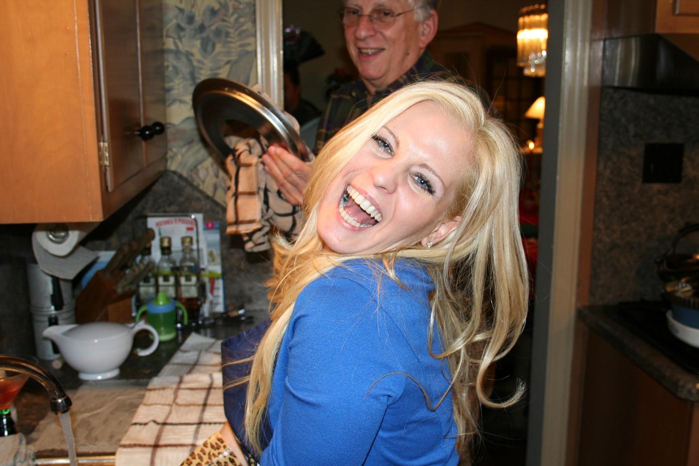 I make doing dishes glamorous