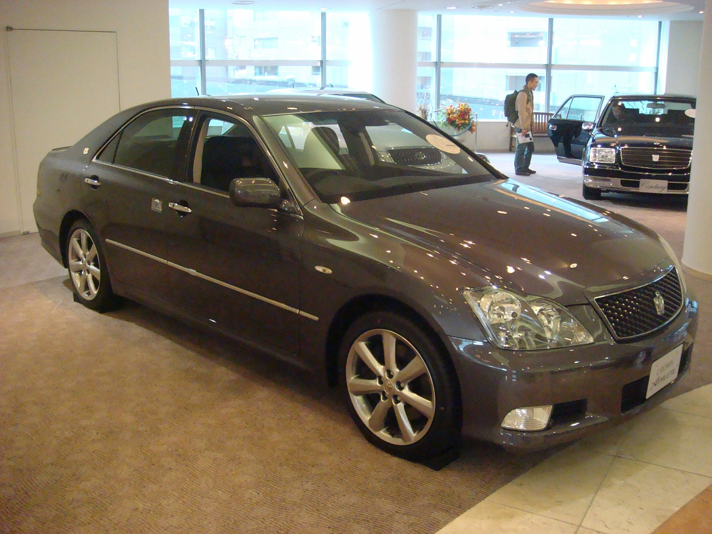 TOYOTA CROWN 3.5 ATHLETE | 2008 | PEARL | 89,995 km ...
