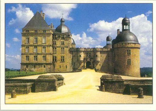 Hautefort Castle (24)