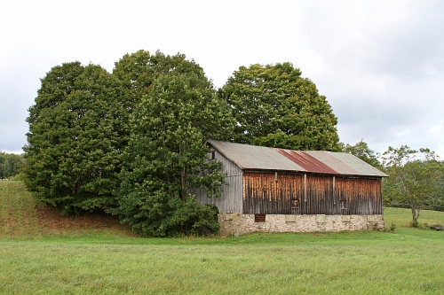 Route 12 Barn