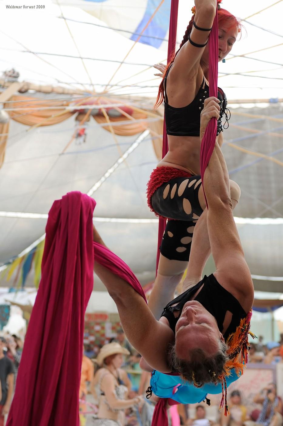Tissu Dancers