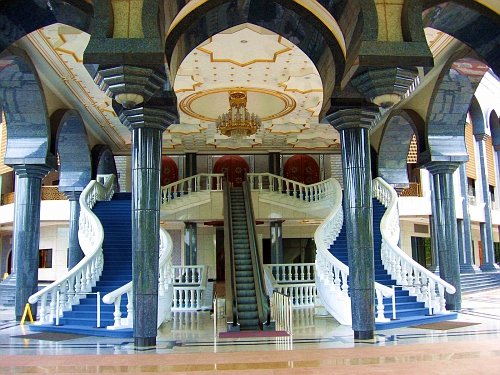 Brunei mosque, grand entrance
