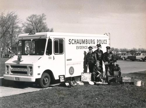 IL- Schaumburg Police 1975 Chevrolet van