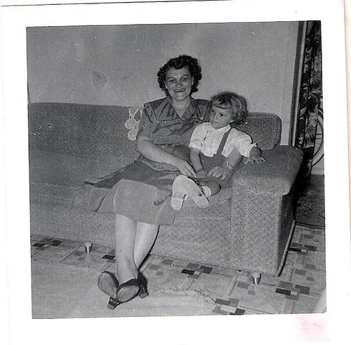 24-Mamaw Aree and Mom