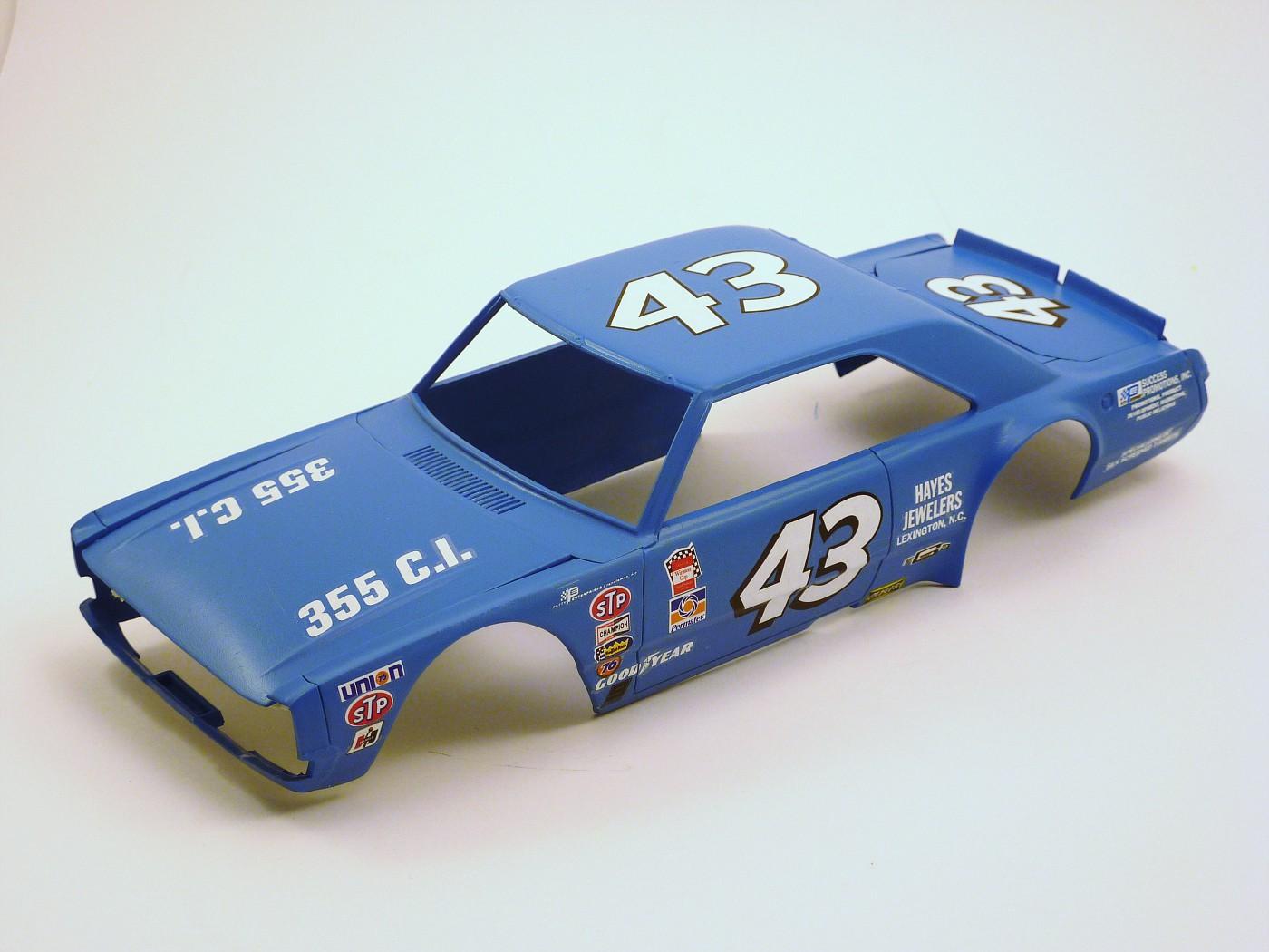 Dodge Dart Richard Petty terminée ProjetDodgeDartRPetty001-vi