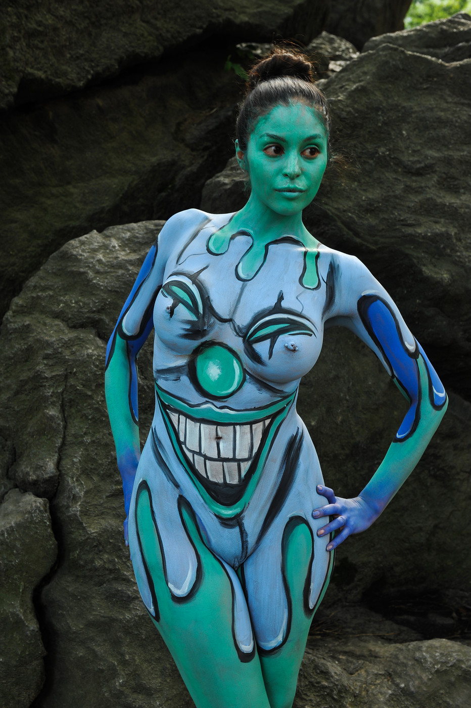 Girl body painting videos — pic 7